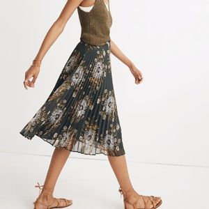 ISO pleated midi skirt
